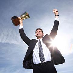 اینفوگرافیک 10 ویژگی آدم های بسیار موفق